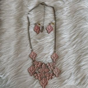 Plunder Sue and Sonia necklace and earrings set